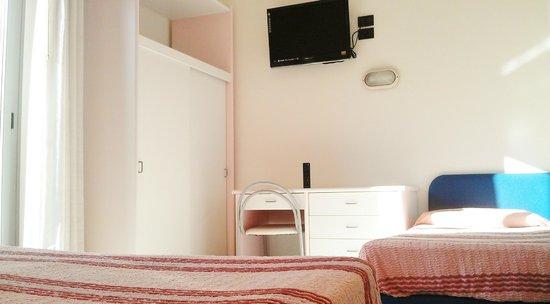 Camera Tripla con letto a castello - Picture of Hotel Ducale ...