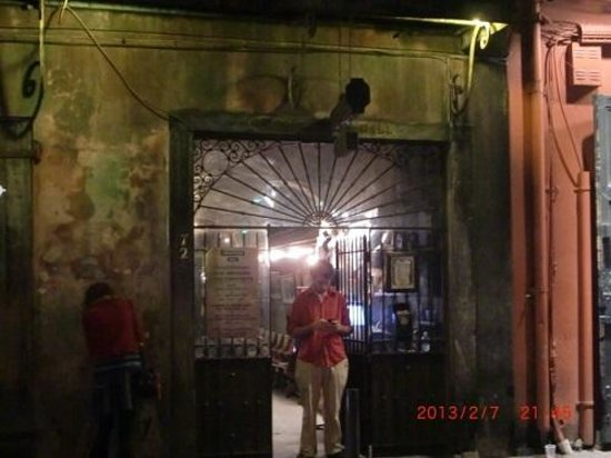 Preservation Hall : 入口の係りの人