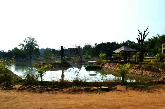 Tathastu: Pond Area