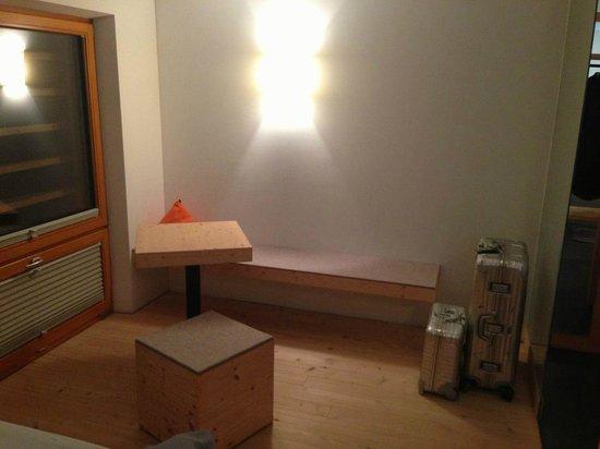AmVieh-Theater: Genug Platz, viel Holz