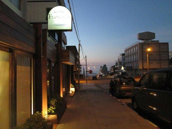 Hotel Florinda: Frente do hotel ao amanhecer