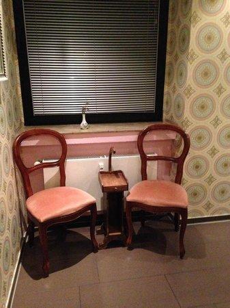 Die Wohngemeinschaft Hostel: Women's shower room