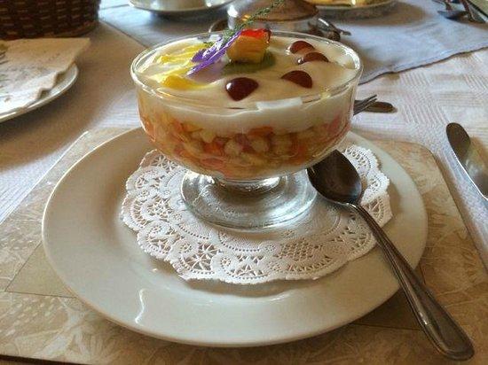 Cedar Lodge Guest House: Met zorg bereid ontbijt