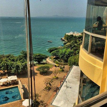 Dusit Thani Pattaya: Вид из отеля
