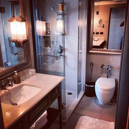 Dusit Thani Pattaya : Ванная комната