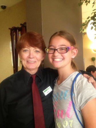 Holiday Inn Rapid City - Rushmore Plaza: Our waitress for brunch with my daughter