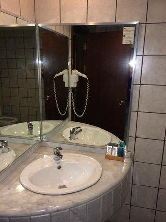 Toledo Amman Hotel : Bad