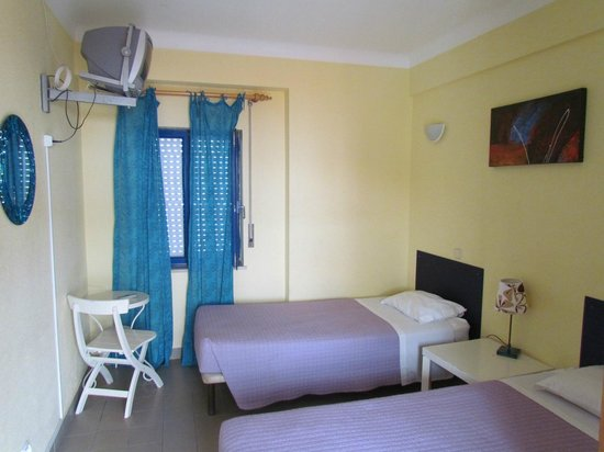 Lagos Youth Hostel: Twin room