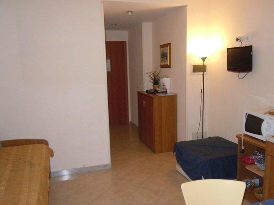Residence Casa Vacanze Isophylla : Ingresso / soggiorno