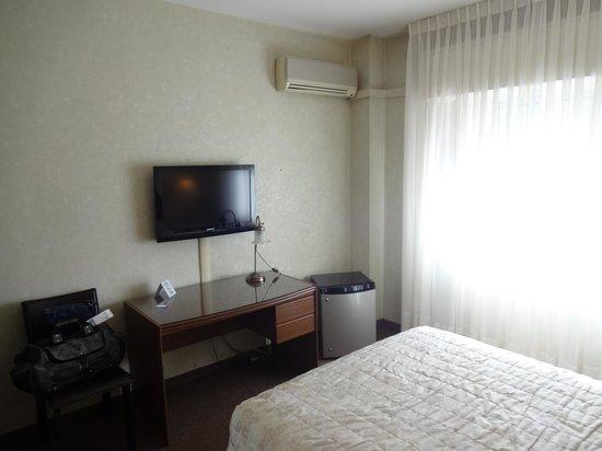 Ermitage Hotel: TV, Ar Condicionado, Frigobar