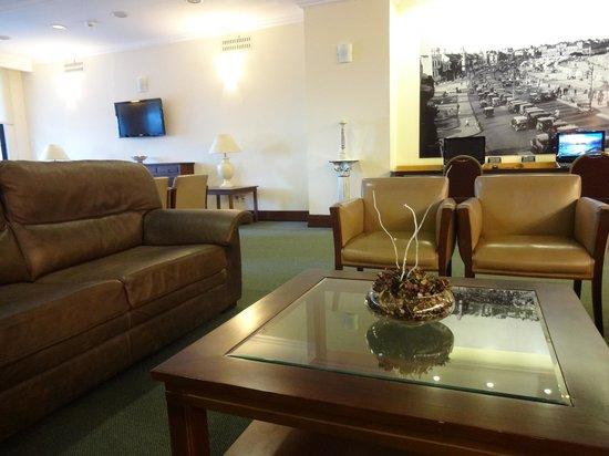 Ermitage Hotel: Ambiente de Espera na Recepção