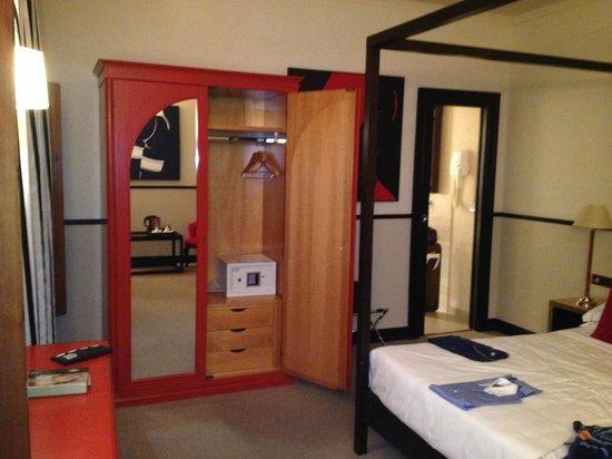 Grand Hotel Cavour : dettaglio camera