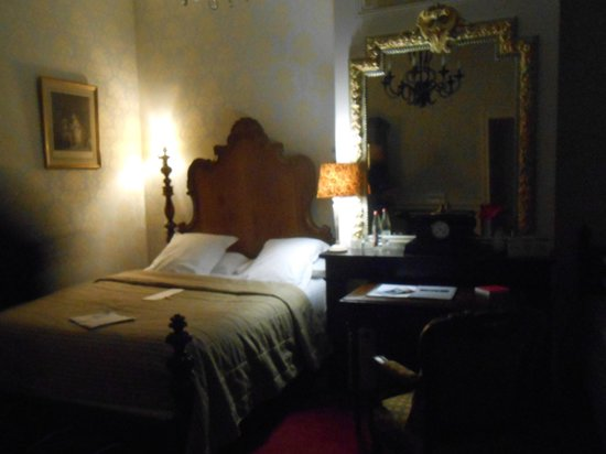 Chateau de Pray : chambre