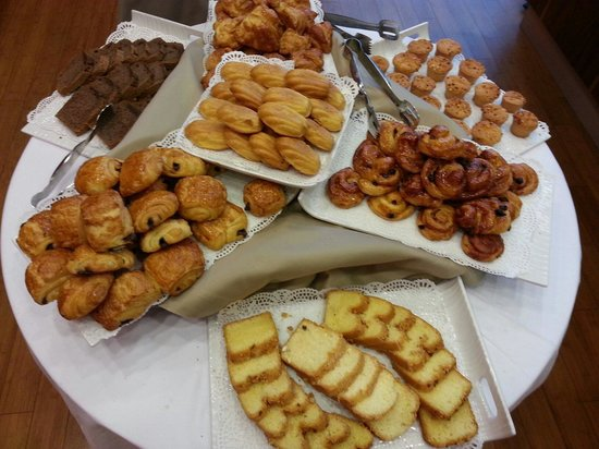 Ramada Encore Tangier : Breakfast buffet