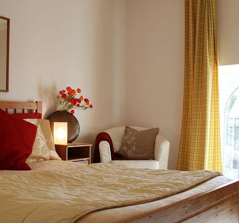 La Roseraie: Master Bedroom, self-catering Gite Mawrguerite