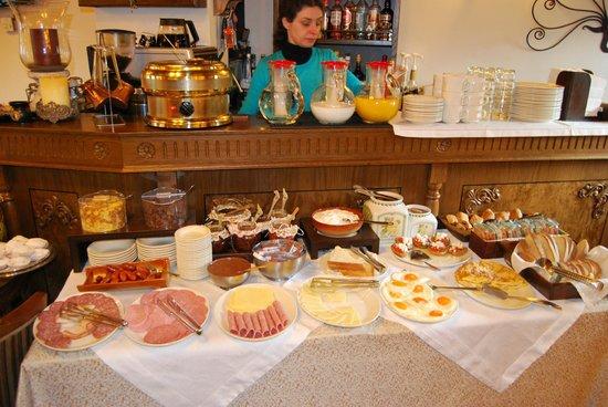 En Dimitsani Guesthouse: Πρωινό/αλμυρά