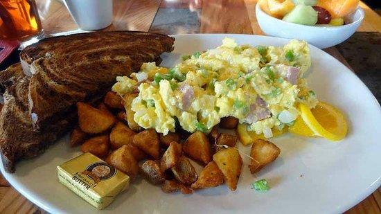 20320 Alaskan Grill : Breakfast