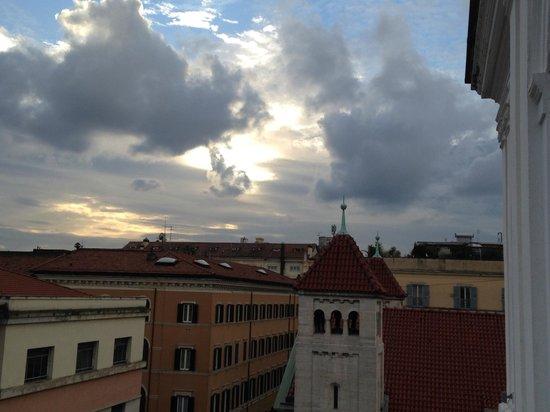 Hotel Villa Pinciana: western wiev from balcony