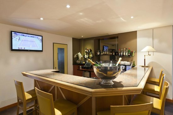 Hotel La Longeraie: Bar