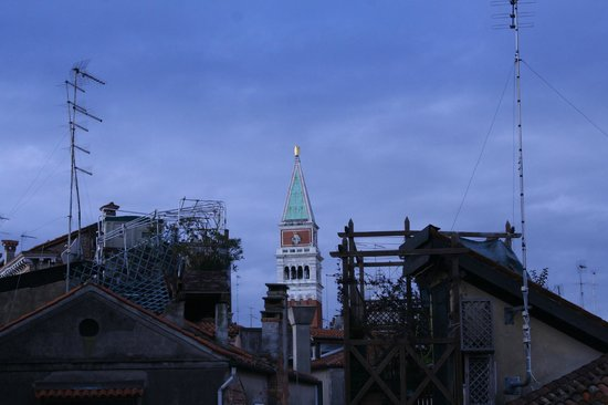 Residenza de l'Osmarin: View of the Campanile from the terrace