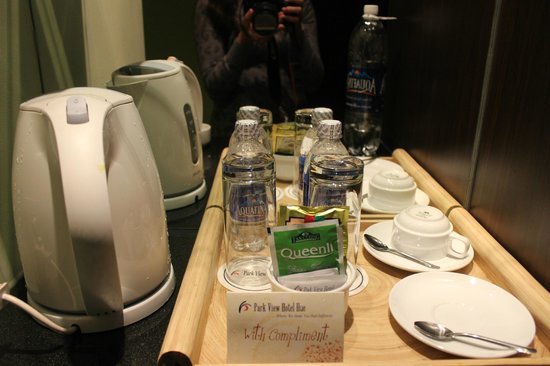 Park View Hue Hotel: coffee & tea facilities