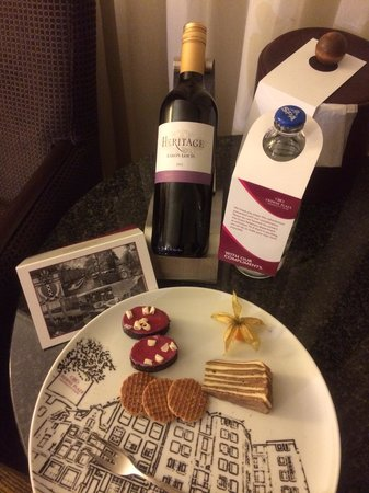 Crowne Plaza Amsterdam City Centre: Welcome Kit in our Room