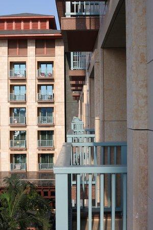 Resorts World Sentosa - Festive Hotel: balcony