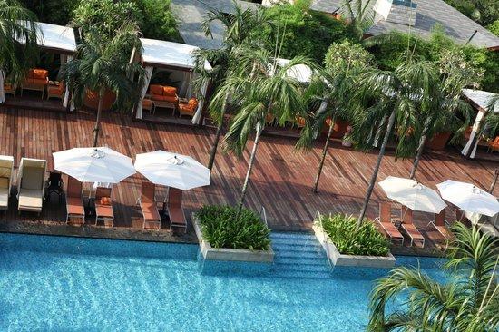 Resorts World Sentosa - Festive Hotel: the pool