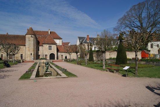 Mus e st vic picture of saint amand montrond cher - Office de tourisme saint amand montrond ...