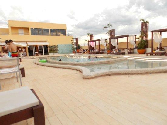 Grand Crucero Iguazu Hotel : piscina