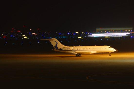 Air Terminal Hotel: 空港夜景