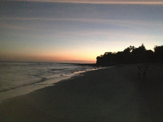 Wyndham Playa Corona: Atardecer en la playa