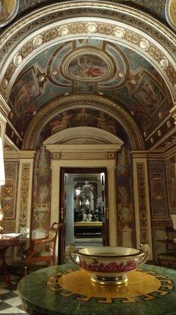 Four Seasons Hotel Firenze: Das ganze Hotel ist ein altes, respektvoll restauriertes Kloster