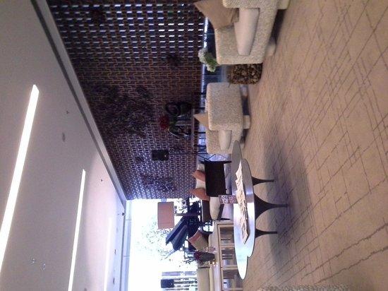 Grand Aston Yogyakarta: The Lobby