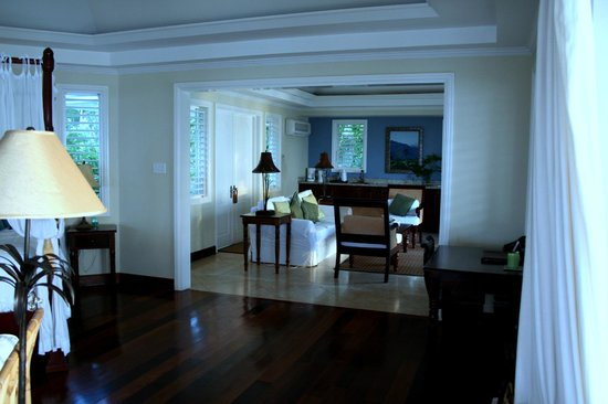 Jamaica Inn: Churchill's lounge