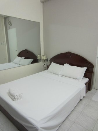 Long Hostel: Double room with A/C on the second floor