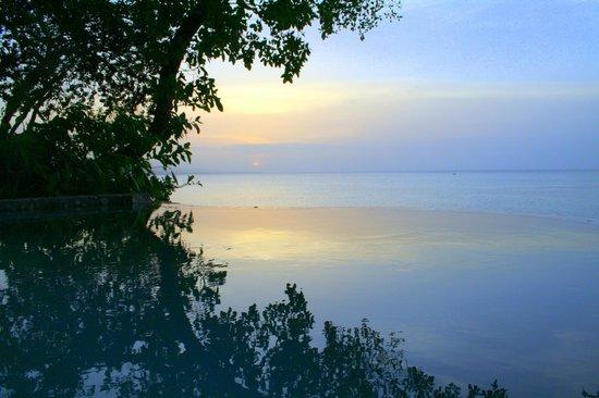 Jamaica Inn : Late evening view