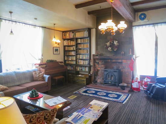 Grove Inn Skala : The lounge area