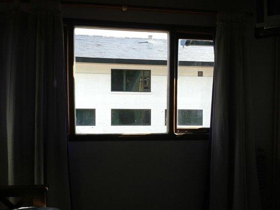 Amigos Apart Hotel : ventana cocina