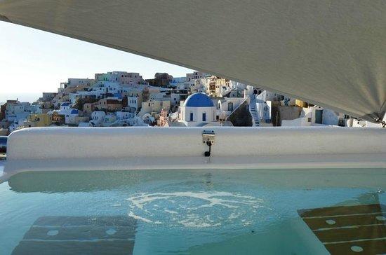Art Maisons Luxury Santorini Hotels Aspaki & Oia Castle: our jacuzzi