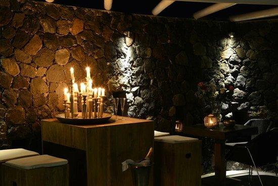 Art Maisons Luxury Santorini Hotels Aspaki & Oia Castle: Candle lit private dinner