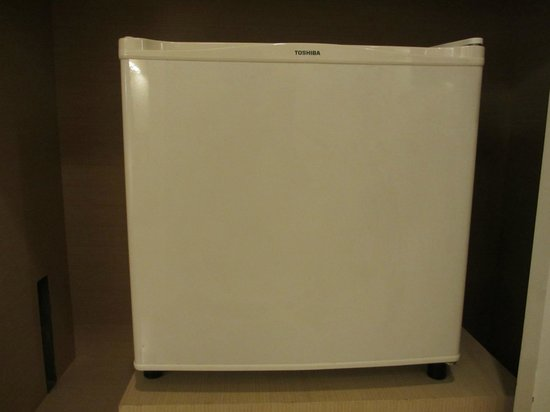 Trinity Silom Hotel : TOSHIBA's refrigerator