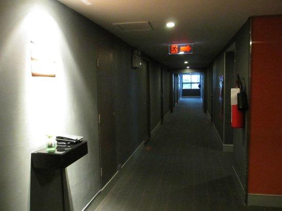 Trinity Silom Hotel : Corridor