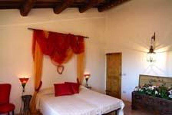 Borgo Roncaglia: camera