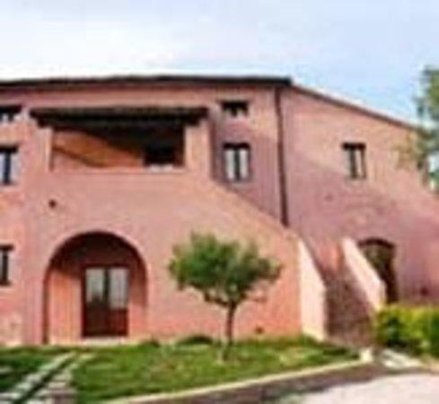 Borgo Roncaglia: esterno degli alloggi
