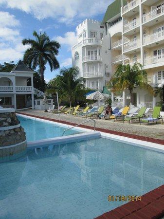 SeaGarden Beach Resort : hotel