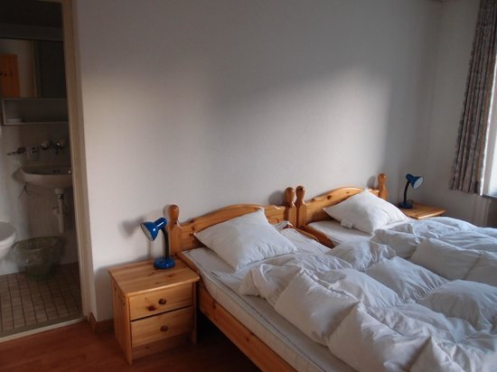 Bellpark Hostel: Double room, private bathroom