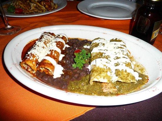 Layla's Restaurante: Mixed Enchiladas
