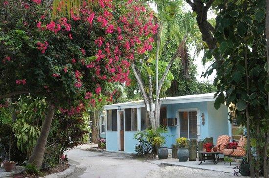 Seafarer Resort and Beach: Reception area