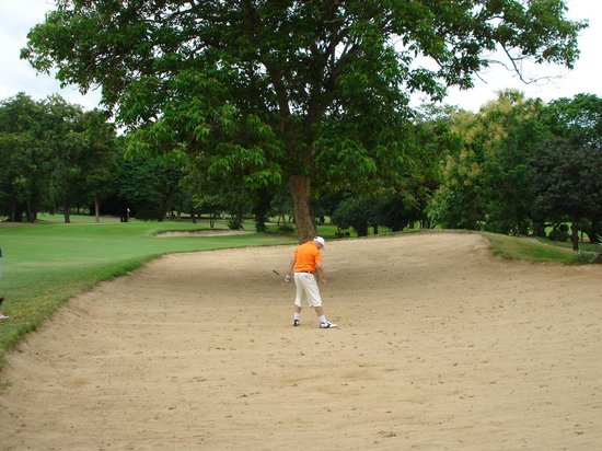 Royal Hua Hin Golf Club : steve lynch in the process of losing 200 baht